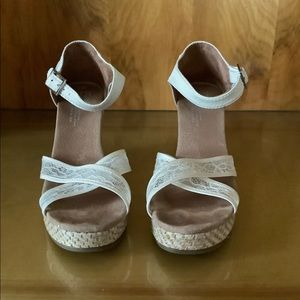 Toms Women's Lace Wedding Wedges